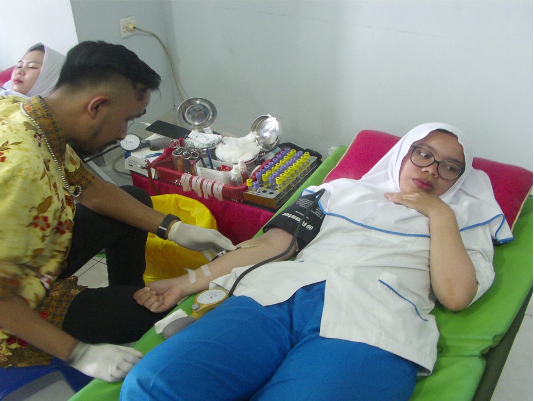 Donor Darah AKBID Karya Bunda Husada Tahun 2018(1)