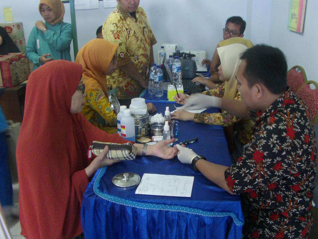 Donor Darah AKBID Karya Bunda Husada Tahun 2018(2)