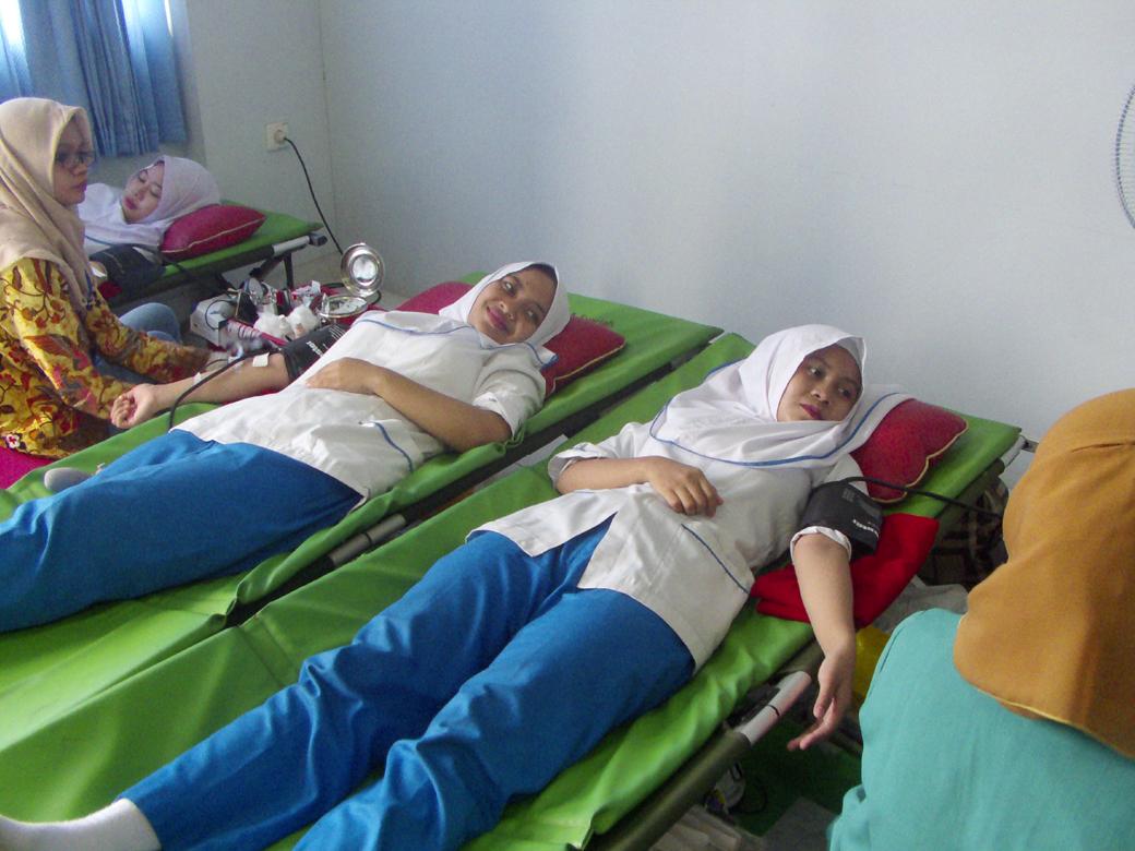 Donor Darah AKBID Karya Bunda Husada Tahun 2018(5)