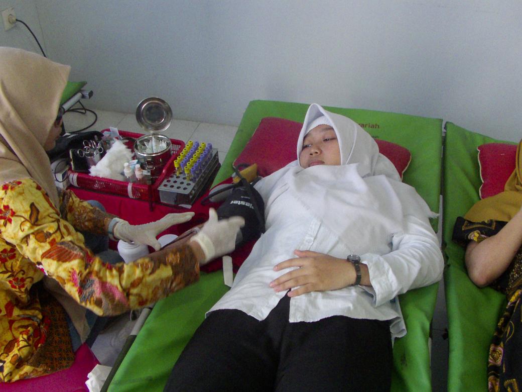 Donor Darah AKBID Karya Bunda Husada Tahun 2018(8)